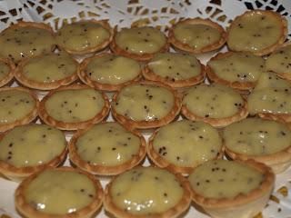 Tartaletas con Crema de Fruta de la Pasión
