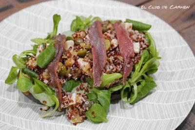Berenjenas rellenas de ensalada de quinoa